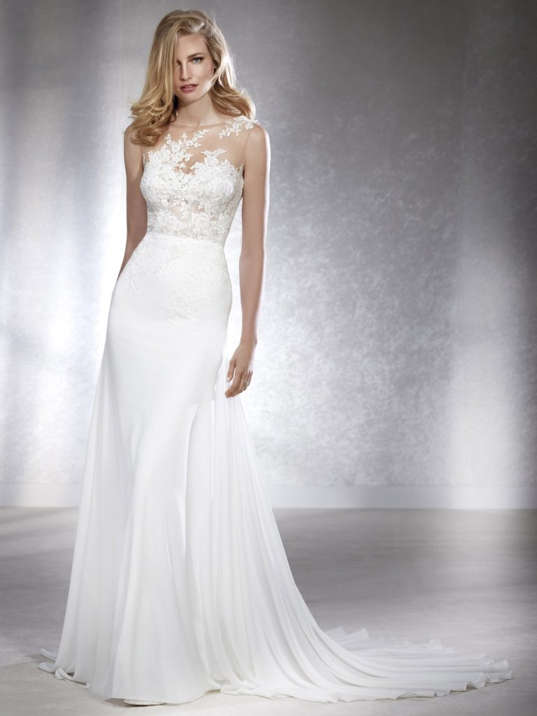 White One Pronovias Modello Sirena FIGURA