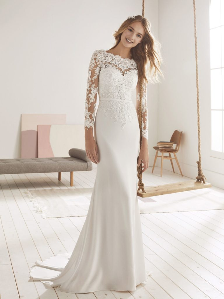 White One Pronovias Modello Sirena OLMO