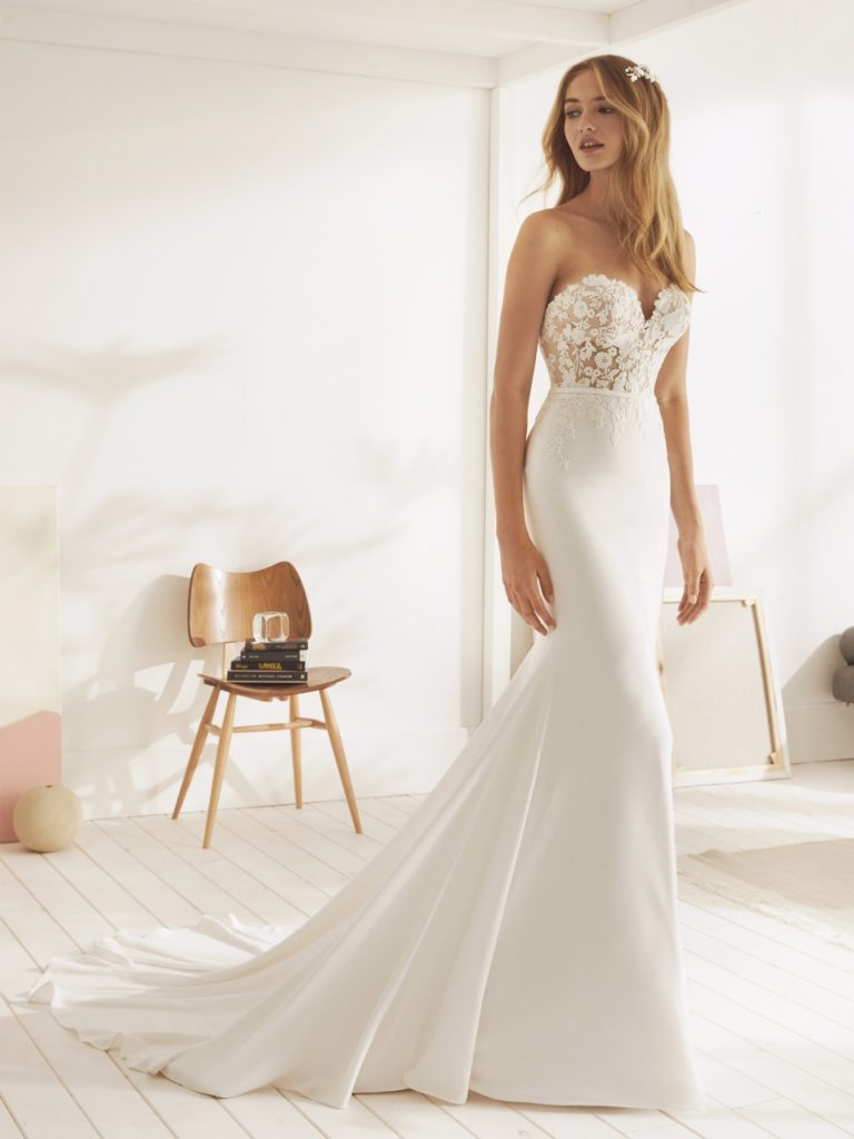 White One Pronovias Modello Sirena OMURA