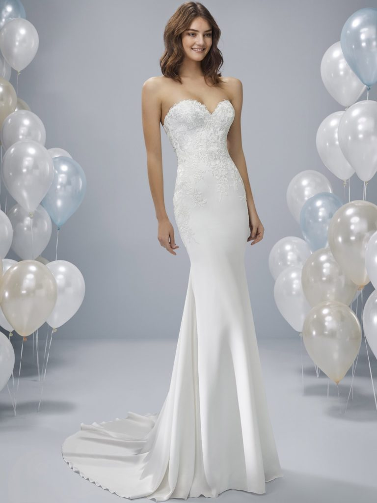 White One Pronovias Modello Sirena ONEY