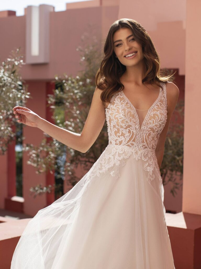 LOBELIA – PRONOVIAS WHITE ONE