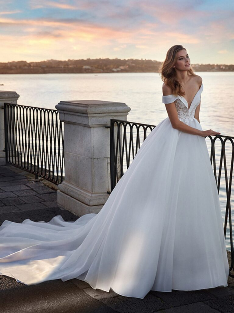 NC12136 From Italy to NICOLE COUTURE