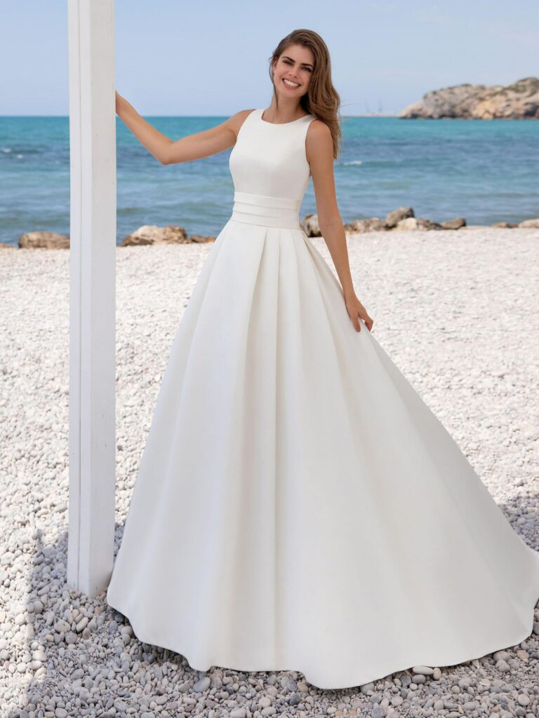 lia WHITE ONE PRONOVIAS
